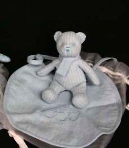 Gisela Graham Bleu Coffret cadeau Teddy et bavoir bébé garçon dans un sac transparent