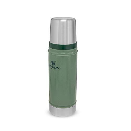 Stanley Classic Legendary Bottle Edelstahl-Thermoskanne, | BPA-frei |Hält heiß oder kalt | Deckel fungiert auch als Trinkbecher | Spülmaschinenfest | Lifetime Warranty, Hammertone Green, 0.47 L