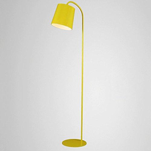 Staande lamp staande lamp in een ijzeren bed, moderne slaapkamerlamp voor de slaapkamer studio creatieve persoonlijkheidslamp LED