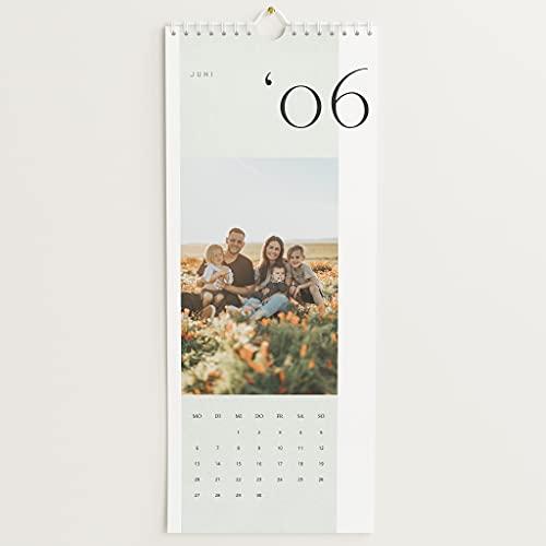 sendmoments Fotokalender 2022, Bilderreiches Jahr, Wandkalender mit persönlichen Bildern, Kalender für Digitale Fotos, Spiralbindung, Hochformat 148x360, optional mit Veredelung