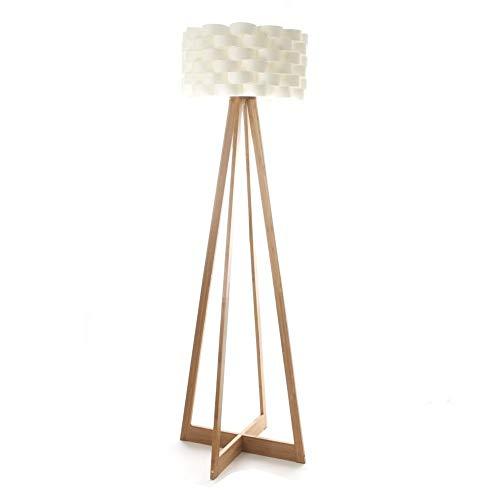 Stehleuchte im schlichten Stil - Fuß aus Bambus und geflochtener Lampenschirm im Fiberglas Design