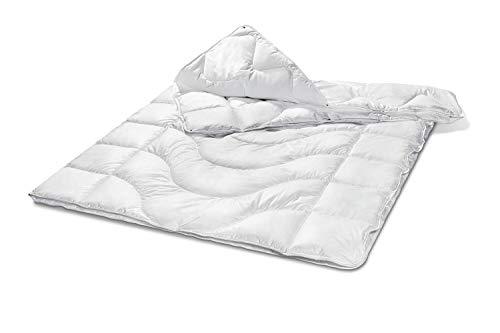 Traumnacht Komfort Steppbett 4-Jahreszeiten, für jede Jahreszeit, mit einem Baumwollbezug für ein optimales Schlafklima in 155 x 220 cm, weiß