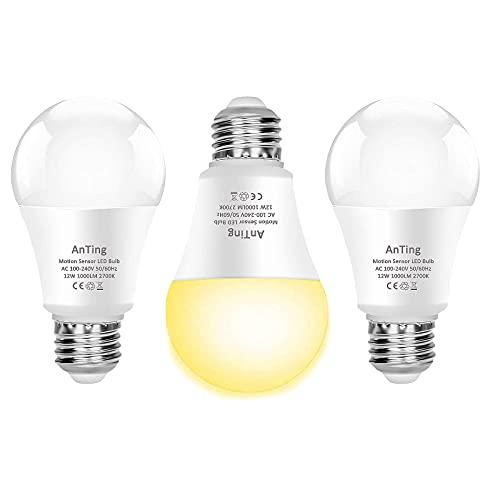 ANTING Lot de 3 Ampoules LED 12W E27 2700K avec Détecteur de Mouvement et Capteur Crépusculaire Ampoule Automatique A19, équivalent à 100W,1000lm,Blanc Chaud pour Porte D'entrée,Garage,Escaliers