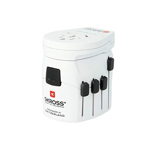 Skross 1.302530 - AdaptadorMundial de enchufes, Entrada USB y Compatible con Todos los aparatos de 2/3Clavijas, Color Blanco
