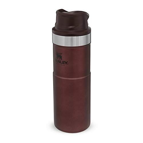 Stanley Classic Trigger Action Travel Mug Doppelwandiger, vakuumisolierter Becher für Kaffee, Tee & Wasser, | Hält Getränk heiß oder kalt |Einhändig bedienbar |BPA-frei, Wine, 0.47 L