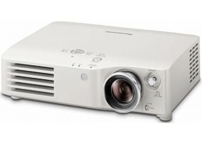 Panasonic PT AX 200 E (Kontrast 6000:1, 2000 ANSI Lumen) LCD-Projektor HDMI weiß