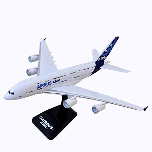 "New Ray 20343, Avión Sky Pilot para pasajeros - American Airlines ""Boeing 777 - 200"", escala 1: 300, línea AA"