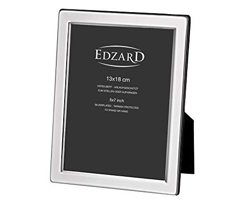 EDZARD Bilderrahmen Salerno für Foto 13 x 18 cm, edel versilbert, anlaufgeschützt, mit Samtrücken, inkl. 2 Aufhängern, Fotorahmen zum Stellen und Hängen