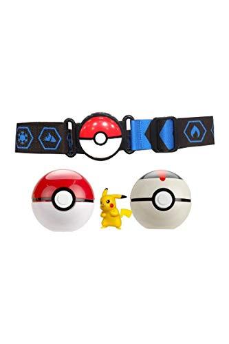 Ceinture Pokémon, deux Poké Ball et une figurine évoli