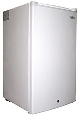 SPT UF-304W: 3.0 cu.ft. Upright Freezer in White - ENERGY STAR