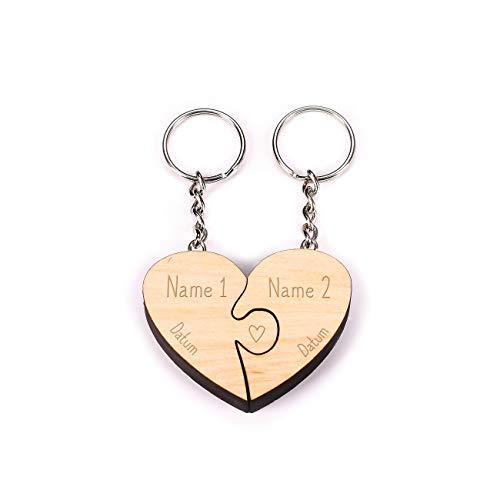 Herz & Heim® Paaranhänger Holz Schlüsselanhänger Herz Puzzle mit Gravur Ihrer Namen und Datum