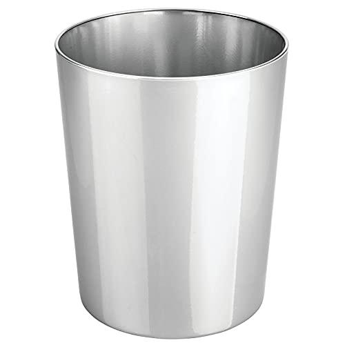 mDesign Cestino spazzatura in metallo – Perfetto sia come cestino gettacarte che per la raccolta rifiuti – Di forma tonda, per cucina, bagno, ufficio, camera – argento