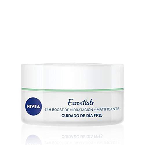 NIVEA Cuidado de Día Matificante (1 x 50 ml), crema matificante y con 24 h boost de hidratación, crema de día para el cuidado facial de la piel mixta y grasa con FP15