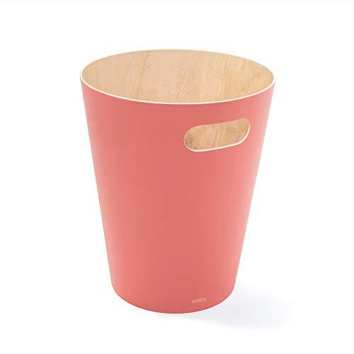 Umbra Woodrow Abfalleimer – Zweifarbiger Holz Papierkorb für Büro, Badezimmer, Wohnzimmer und Mehr, 7,5l Fassungsvermögen, Natur/Koralle,