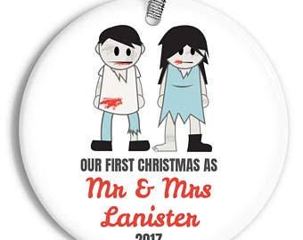 Not Branded Yanmuu Our First Christmas as Mr & Mrs Ornament – Zombie-Paar – personalisiertes Porzellan für Brautpaare