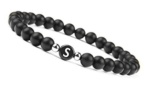 GD GOOD.designs EST. 2015 Namenarmband aus schwarzen Onyxsteinen mit Buchstabenperlen von A-Z, Freundschaftsarmband mit kleinen Echtsilber - Perlen für den Partner