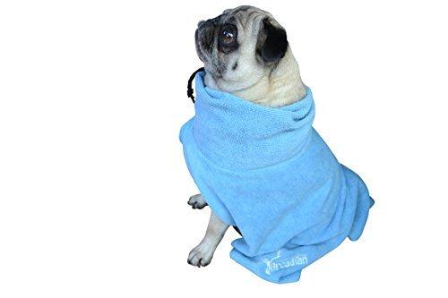 Microfibre Dog Robe von Arcadian in Blau und Pink Diese luxuriösen Bademäntel sind ein tolles Geschenk für das Haustier. Hergestellt aus Premium-Qualität Mikrofaser, sind diese Roben leicht, schnell trocknend und super saugfähig. Arkadische Bademäntel sind einfach zu bedienen, bequem und kommen mit verstellbaren Gurten. Größen: S, M, L, XL und XXL. Ideal zur Benutzung mit einem arkadischen Mikrofaser-Handtuch. - S blau