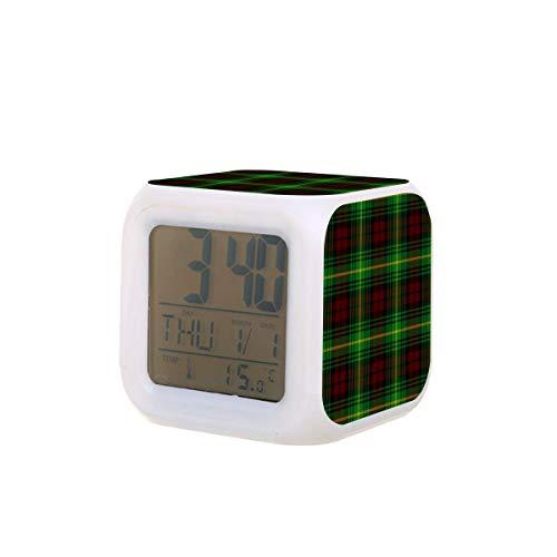 Clan Martin Tartan Plaid LED Digital Despertador Calendario Luz de Noche Colorida Dormitorio Reloj de Escritorio con Batería