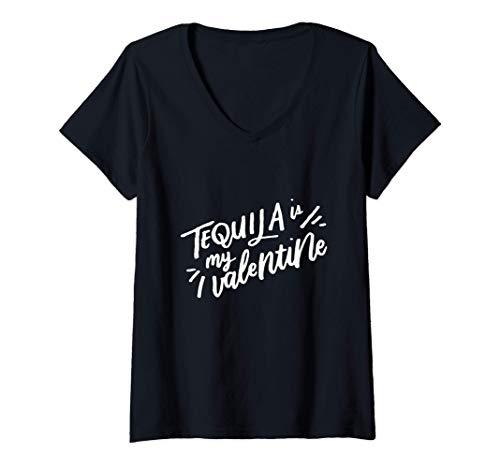 Mujer Tequila Es Mi San Valentín Contra El Día de San Valentín Camiseta Cuello V
