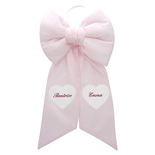 Chocolade geboortesteen met individueel hart - lieveheersbeestje geboortesteen met gepersonaliseerde naam. Roze.