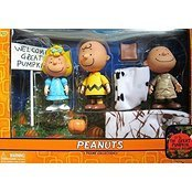 Peanuts It's the Great Pumpkin, Charlie Brown Figure Collection Sally, Charlie Brown and Pig Pen by Peanuts