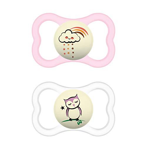 MAM Supreme Night Schnuller im 2er-Set, leuchtender Babyschnuller für eine gesunde Zahn- und Kieferentwicklung, beugt Hautreizungen vor, mit Schnullerbox, 6-16 Monate, Wolke/Eule