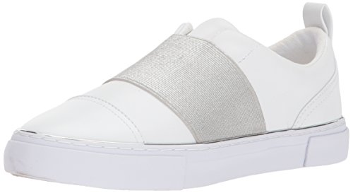 GUESS Women's GEARUP Sneaker, White, 6