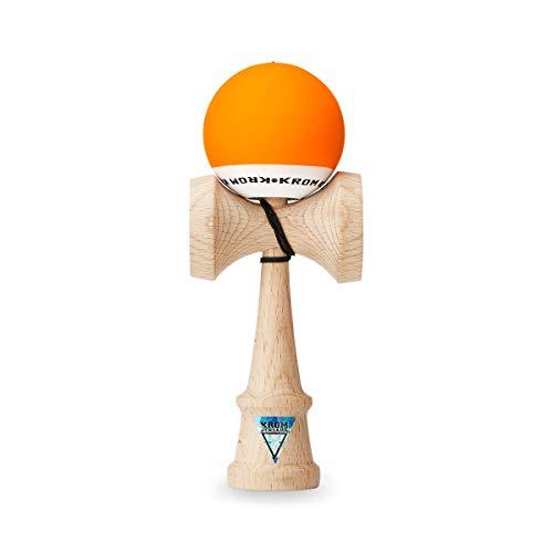 Original KROM Pro Kendama aus Holz für Anfänger und Fortgeschrittene - POP Orange - Geschicklichkeitsspiel für draußen und drinnen - Holzspielzeug mit Schnur und Ball - Kendama Skilltoy Kugelfangspiel