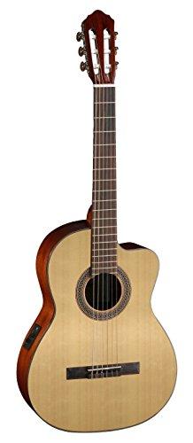 Guitarra clásica electrificada con cutaway veneciano. Tapa en abeto.