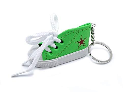 onweerstaanbaar1 Leuke 7 cm Trainer Sneaker schoen met witte schoenveters op een metalen sleutelhanger in groen