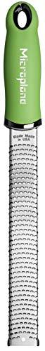 Microplane Zester Reibe Fein Grün Edelstahl aus der Premium Classic Serie für Zitrusfrüchte, Hartkäse, Ingwer, Schokolade, Muskatnuss und Trüffel