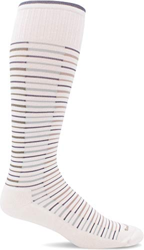 Sockwell Women's Featherweight Flair Moderate Graduated Compression Sock, Natural - S/M