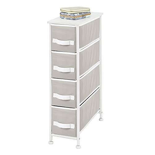 mDesign Cómoda para dormitorio con 4 cajones – Organizador para ropa estrecho con tablero de MDF – Cajonera de metal y tela para habitación, sala de estar o pasillo – gris y blanco