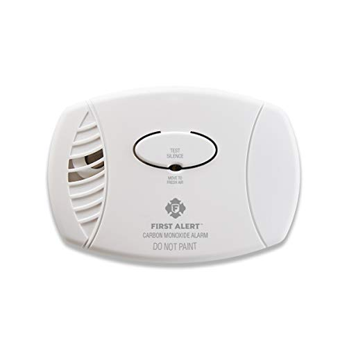 First Alert CO605 Carbon Monoxide Plug-In Alarm with Battery Backup