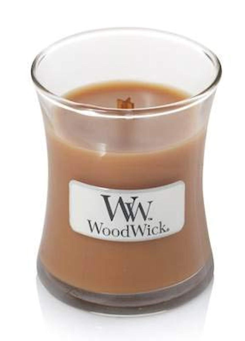 膨らみ評決スーツケースHot Toddy WoodWick Candle 3.4オンス