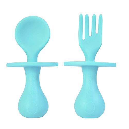 Estuyoya - Cubiertos para Bebé Cuchara y Tenedor de SIlicona Especial Segura Libre de BPA Diseño Antiahogo Alimentación Independiente Duradero Fácil Agarre para Lavavajillas para 6 Meses o más - Azul