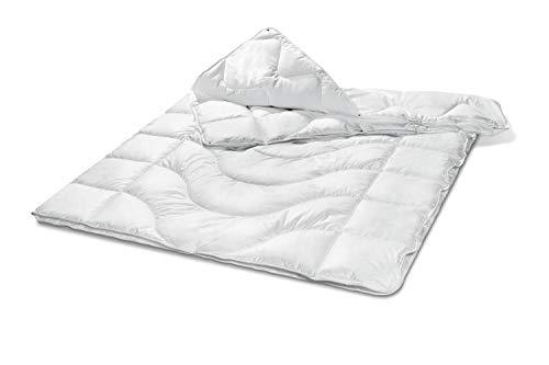 Traumnacht Komfort Steppbett 4-Jahreszeiten, für jede Jahreszeit, mit einem Baumwollbezug für ein optimales Schlafklima in 135 x 200 cm, weiß