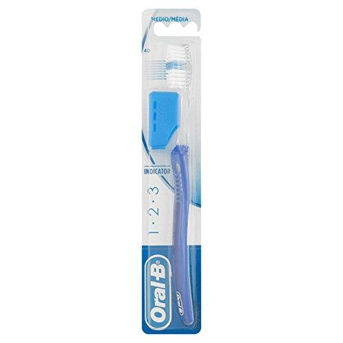 Oral-B - Cepillo de dientes 123 Indicator 40 - 1 unidad