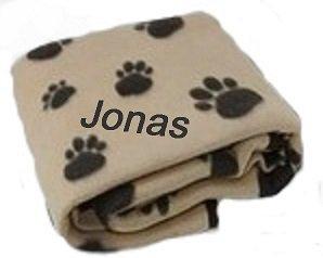 Hundedecke hellbraun mit Pfoten und Namen bestickt