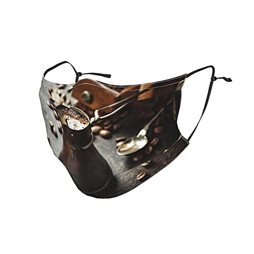 Máscara facial fabricada en Estados Unidos, reutilizable, lavable, para hombres y mujeres, niños, Cafetera antigua antigua y molino sobre fondo rústico oscuro para hacer...