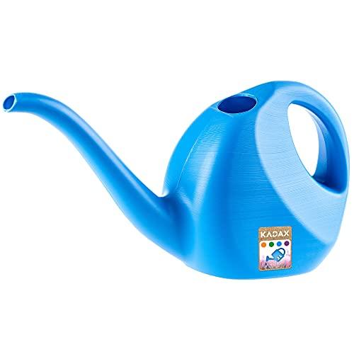 KADAX Gießkanne, 2 Liter, kleine Gartengießkanne aus Kunststoff, Blumengießkanne mit langem Auslauf, für Innen und Außen, Haus, Garten, Blumen, Zimmerpflanzen, Bewässerung (Blau)