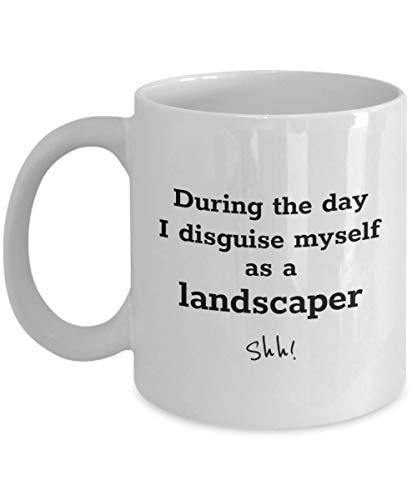 Divertida taza de caf para paisajistas: durante el da me disfraz - taza de regalo de cermica para arquitectos paisajistas, Equipo de grounds