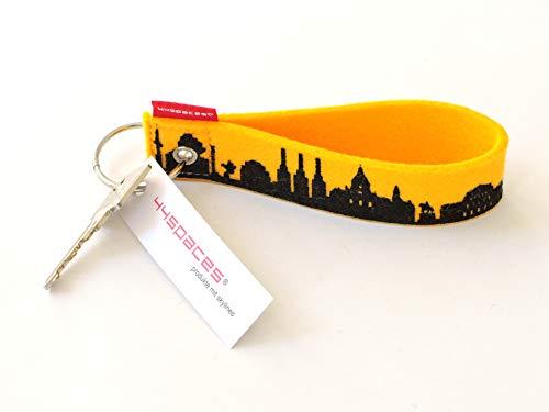 44spaces Design Schlüsselanhänger Hannover Skyline Loop Wollfilz in gelb, persönliches Geschenk für Frauen Männer Geburtstag Einzug Städtereise