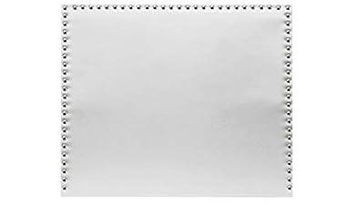 Cabecero de cama tapizado en polipiel de alta calidad, con detalles esteticos incorporado con Tachuelas en color plata. No requiére montaje, solo colgar a pared, contiene herrajes de fijación Ideal para dar un toque personal a tu habitación Disponibl...