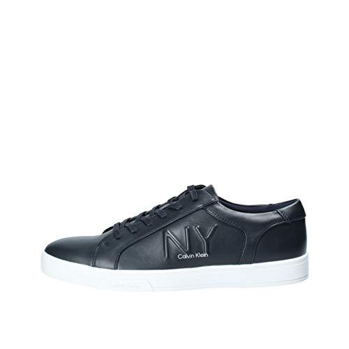 Calvin Klein heren sneaker veterschoen van leer B4F2075 model BOONE Dark Navy. Een comfortabele schoen die geschikt is voor alle gelegenheden. Lente zomer 2020. EU 44