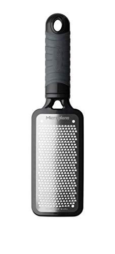Microplane Reibe Fein Schwarz Edelstahl aus der Home Serie für Hartkäse, Zitrusfrüchte, Knoblauch, Chilis, Zimt und Muskatnuss