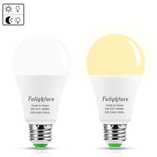 Fulighture Lichtsensor Lampe,E27 Dämmerungssensor Leuchtmittel mit Dämmerungssensor, 6W ersetzt 40W,500 Lumen,Warmweiß 3000K, Automatische On/Off für Treppe Veranda Garage 2 Stück [Energieklasse A+]
