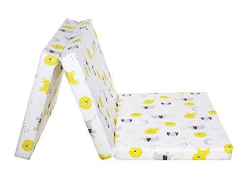 FlyIdeas Matelas Pliant pour Lit Parapluie 120x60 cm | Epaisseur 6 cm Déhoussable Pliable en 3 | Avec Sac de Transport | Housse 100% Cotòn Cert. OEKO-TEX, Baby Animals - Fabrication EU
