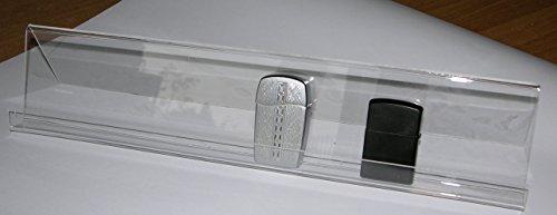 Espositore da vetrina per accendini tipo Zippo. In acrilico trasparente lunghezza cm. 30.