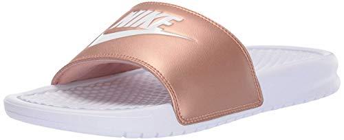 Nike Wmns Benassi JDI, Scarpe da Ginnastica Donna, Multicolore White White Mtlc Red Bronze 108, 39 EU